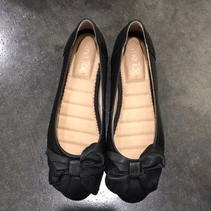 NWOT Me Too leather flats